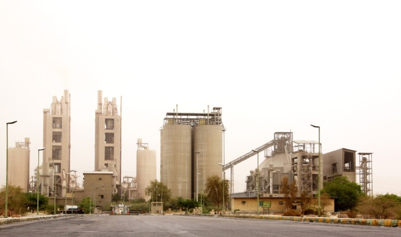 تصویر کارخانه سیمان هرمزگان