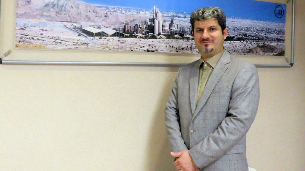دکتر باشتی در مصاحبه با روزنامه دنیای اقتصاد : سیمان هرمزگان سهم فروش خود را در داخل و خارج گسترش می دهد