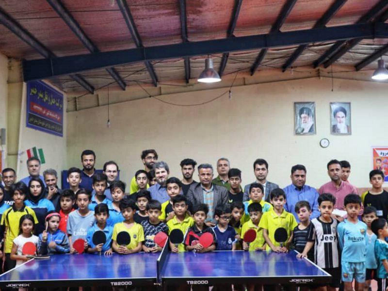 سقف سالن تنیس بندر خمیر توسط سیمان هرمزگان بازسازی شد